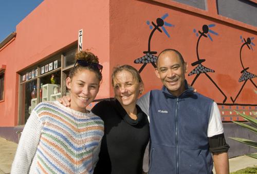 Three of five; Zondile, Jacqui and Njalikwa Chongwe at Zinongo Gallery