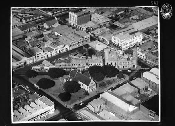 Kings Square as it was in 1957. Two triangles.