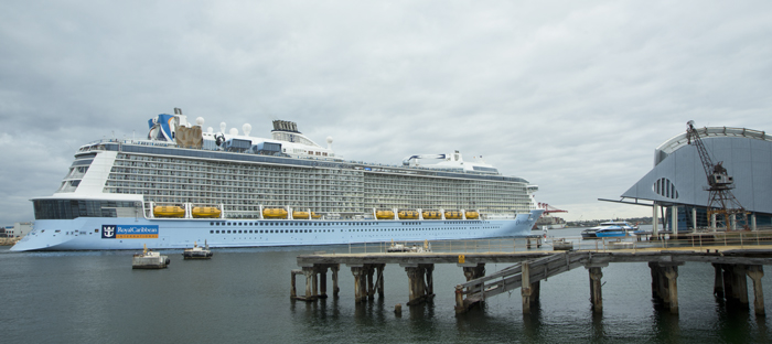 HUGE CRUISE SHIP VISITS FREMANTLE TODAY Freos View - Huge cruise ship