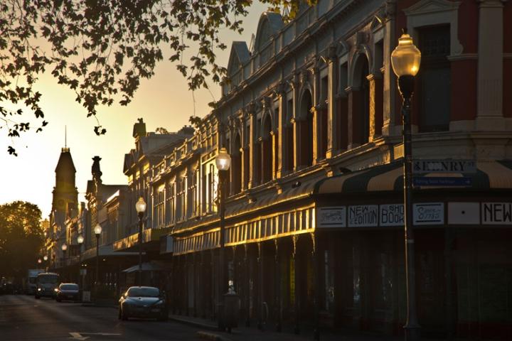High Street sunrise 2